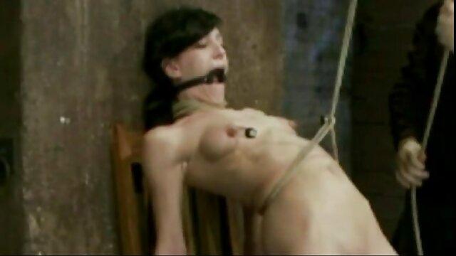 Porno keine Registrierung  Exotisch Aussehende Shemale Spielt Frech auf C german geile hausfrauen